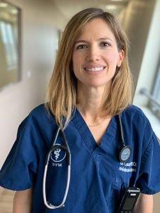 Dr Laure Poujol vétérinaire médecine interne Languedocia Montpellier