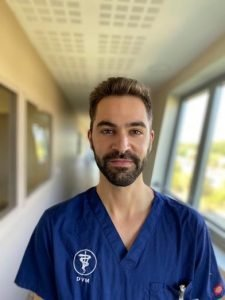 Dr Alejandro Comesana Dos Santos équipe vétérinaire Languedocia