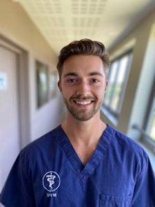 Dr Romain Bezombes équipe vétérinaire Languedocia
